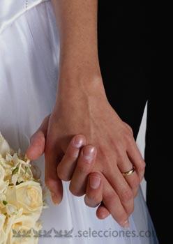Blanca y radiante va la novia...
